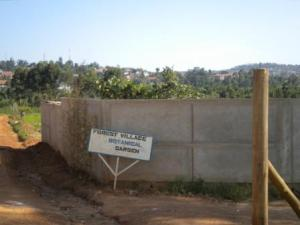 Costruzione del Forest Village Botanical Garden, Kampala